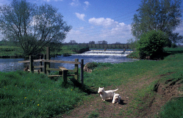 Weir on the Nene Way