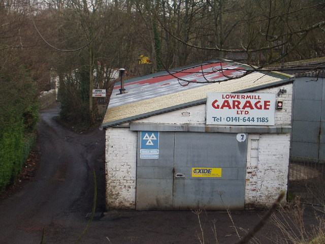 Lower Mill Garage, Busby