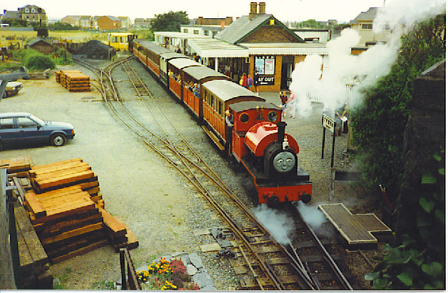 """Peter Sam"" leaves Tywyn Station."
