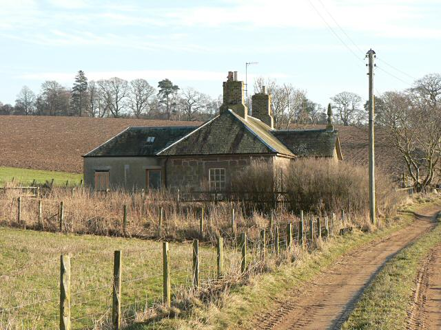 Disused cottages at Colen