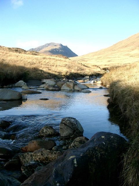 The Allt an Dubh Choirein, looking NW