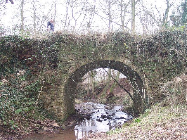 Old Bridge over the River Lodon