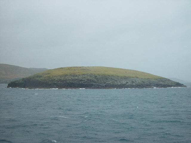 Hunder Holm, Lunning Sound, Shetland