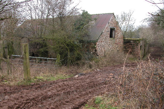 Disused farm buildings, Edge End