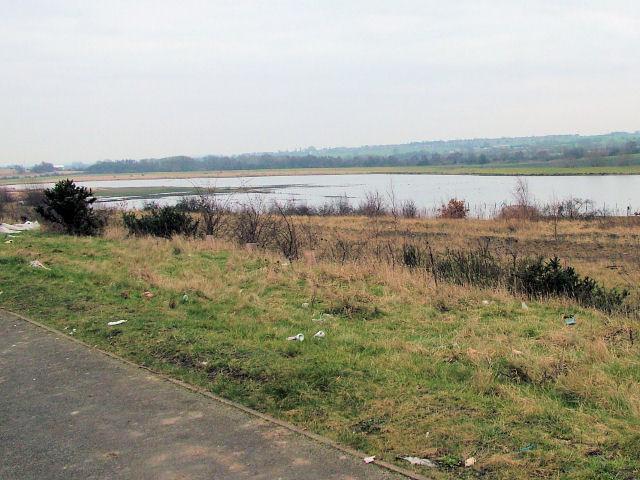 Lake next to A6195