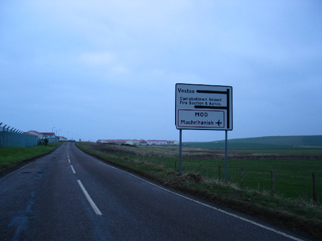 Direction signs to Machrihanish Airfield and Vestas