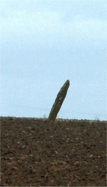 Slantwise standing stone
