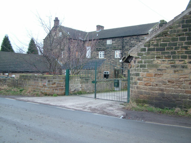 Old farm houses next to Broad Lane Farm