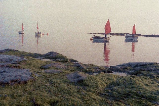 Red sails on a misty morning, Downderry