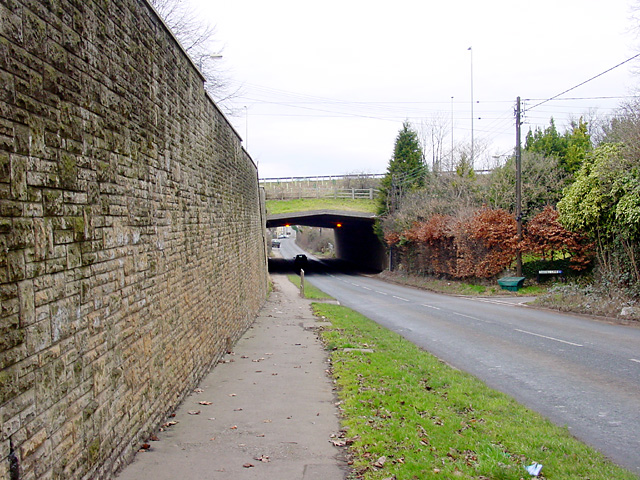 Hallen Road passing under the M5