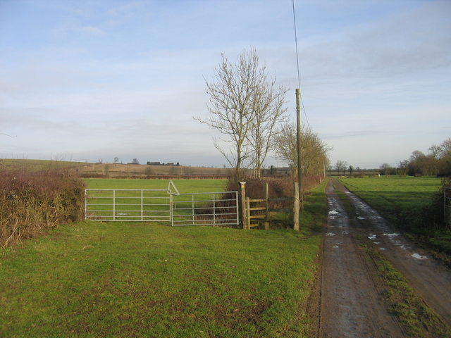 Footpath to Ireland Farm