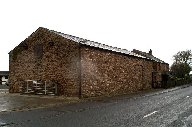 Barn & Farmhouse beside the A581