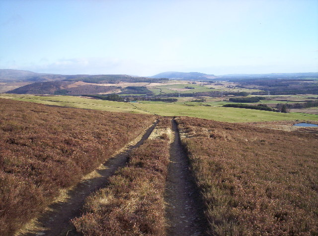 Track From Cowiehill to East Wirren
