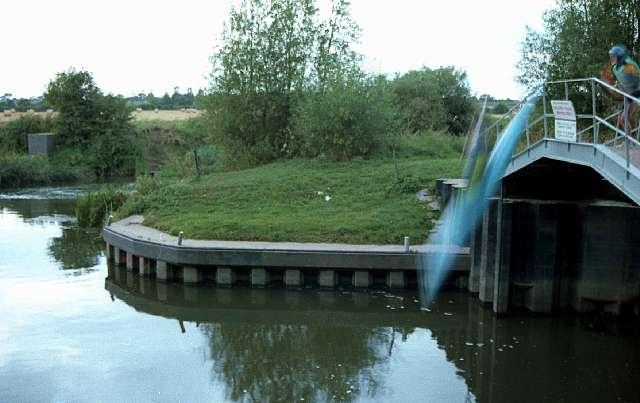 Weir Brake Lock, river Avon