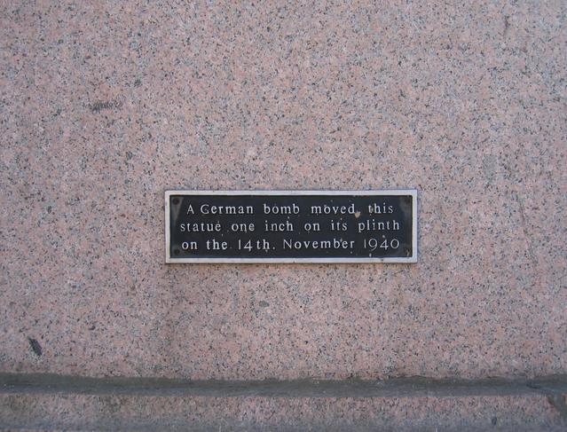 Plaque on Queen Victoria's Statue