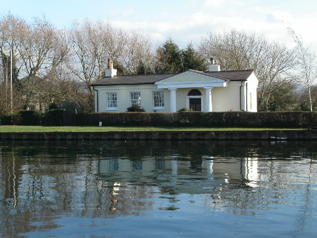 Bridgekeepers cottage on the G & S canal