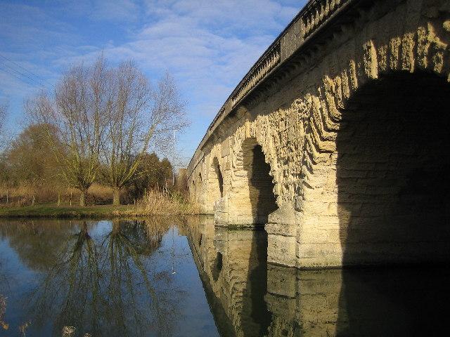 River Thames: Swinford Bridge