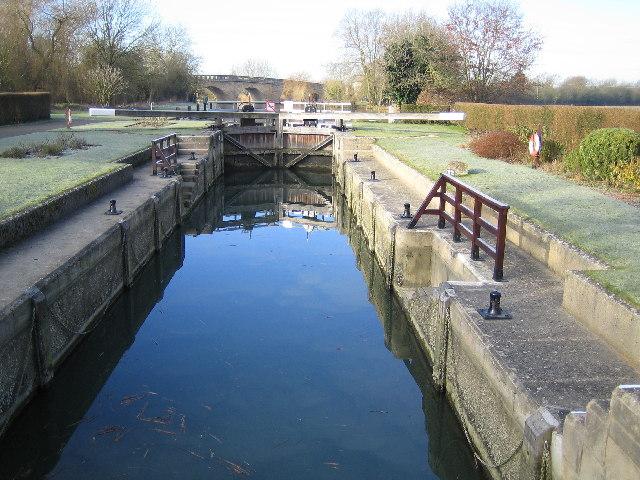 River Thames: Eynsham Lock