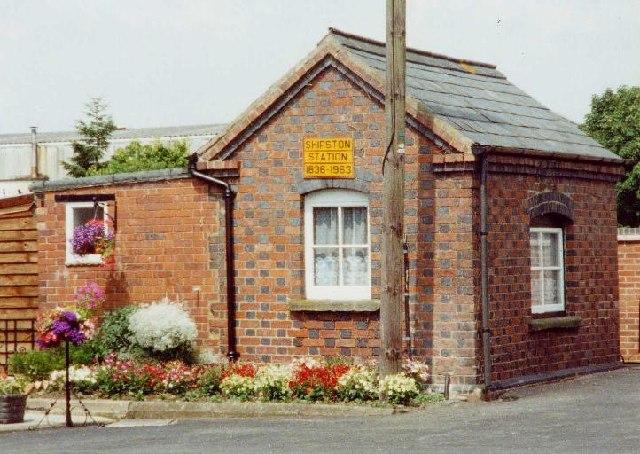 Former railway weighbridge office at Shipston-on-Stour
