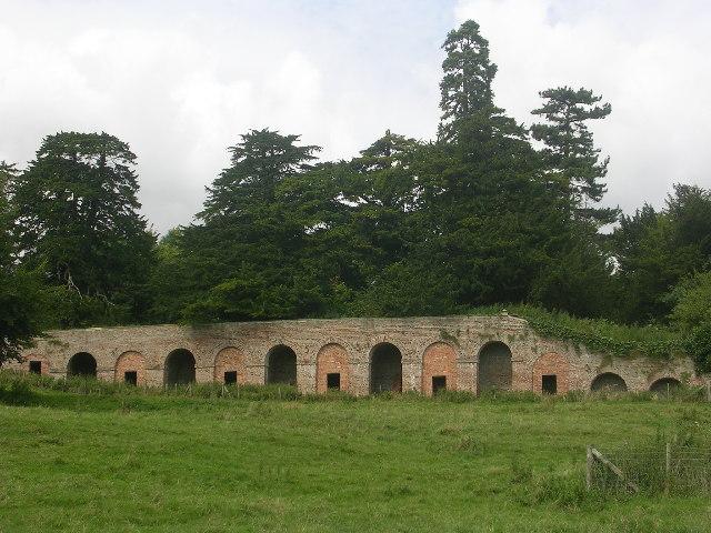 Deer shelter in Londesborough Park