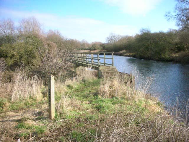 Footbridge over Broadholm Weir