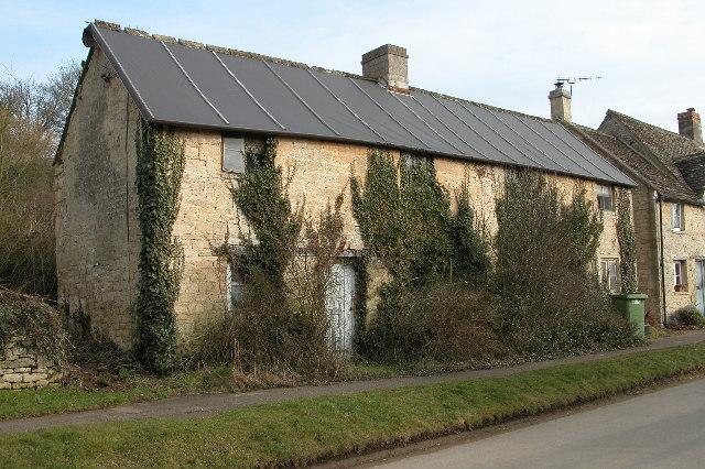 Derelict cottage in Whittington