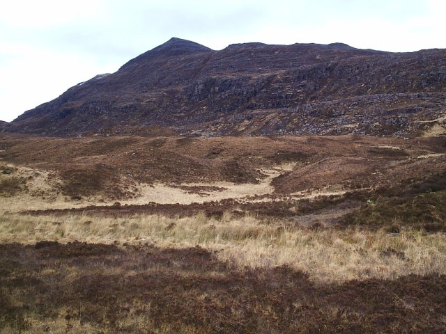 Looking at Quinag from the Road