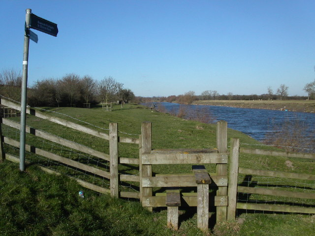 Severn Way footpath at Weir Green