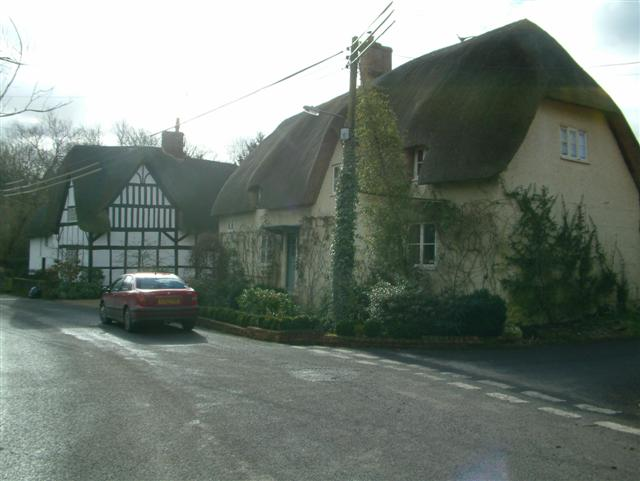 Cottages in Sharcott