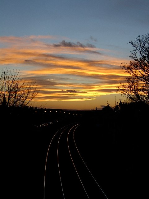 Looking along the railway track, back towards Carnoustie.