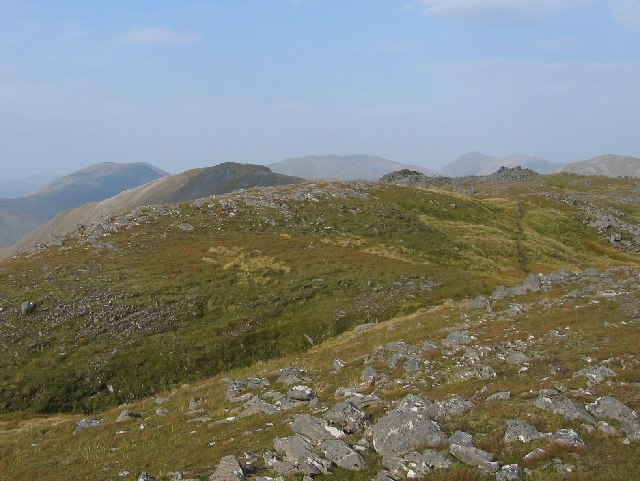 On the broad ridge that extends from Ceathreamhnan to Dheiragain