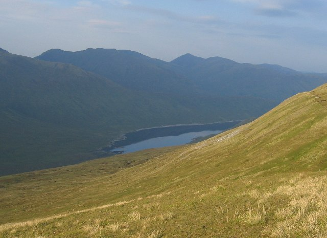 Looking over the northern slopes of Mullach na Dheiragain