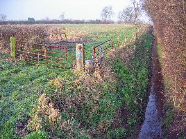 Near Common Farm