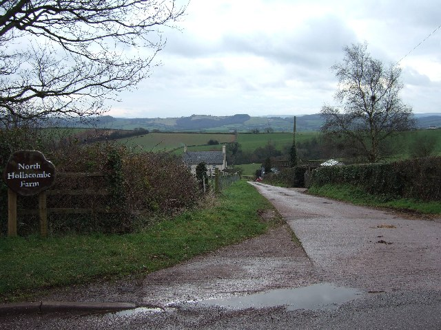 Farm lane to North Hollacombe Farm