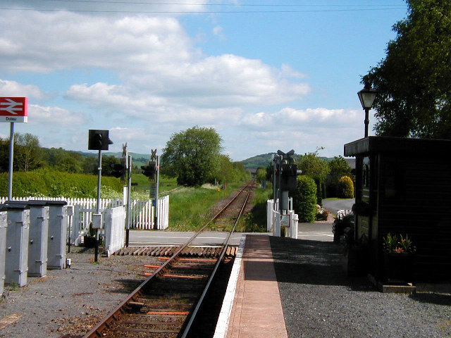 Dolau Railway Station & Crossing