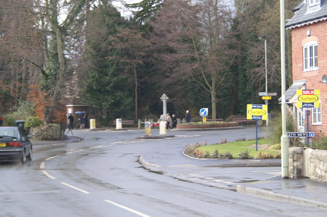 Traffic island and Cenotaph, Minsterley