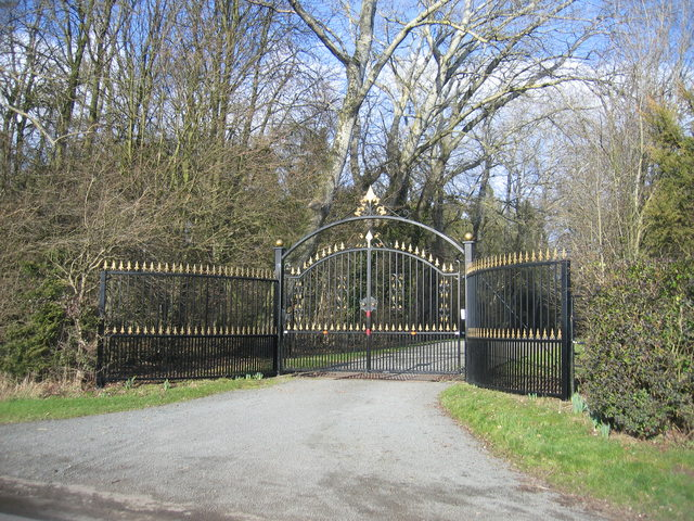 Gateway to Cadle Pool