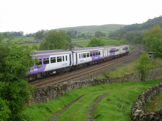 Train near Langcliffe