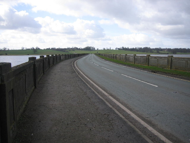 Causeway, Blithfield Reservoir