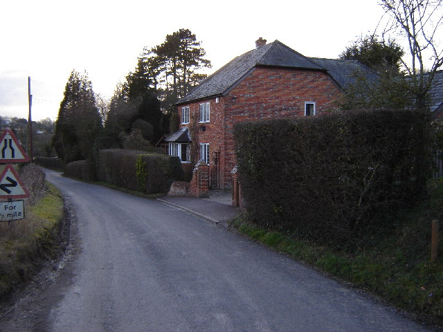Cottage between Upper and Lower Froyle