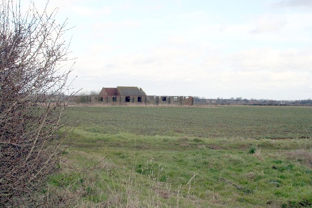 Old RAF building near Londonthorpe