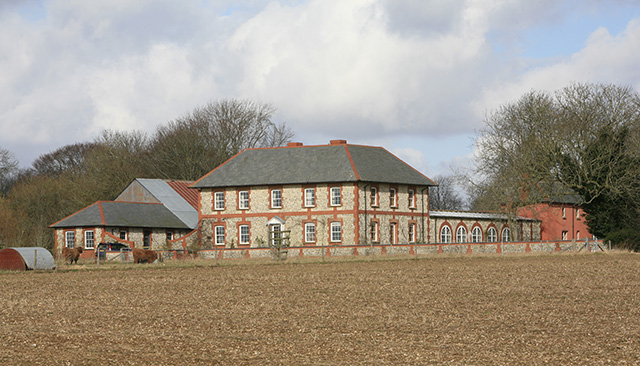 Eveley Farm, Houghton