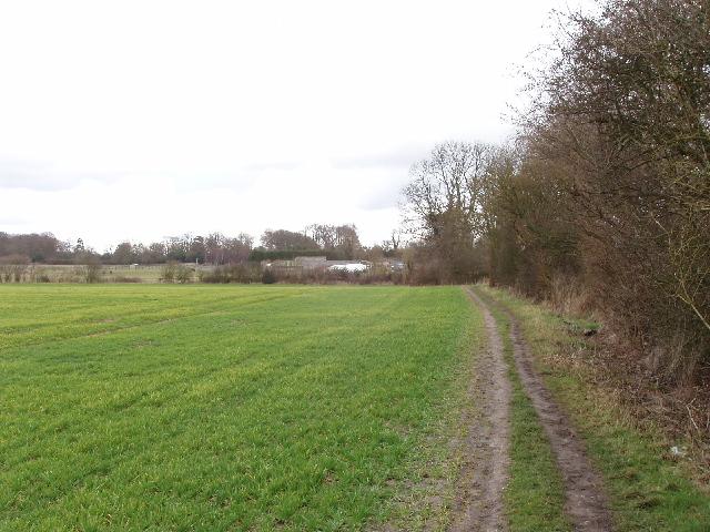 Path across fields to Rowan Farm, Chalfont St Peter