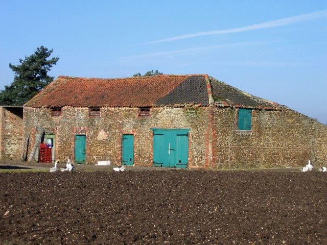 Barn at Vong Farm, east of Pott Row