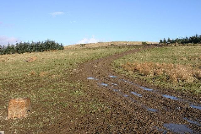 Farm track on Cnoc a Bhreacaich