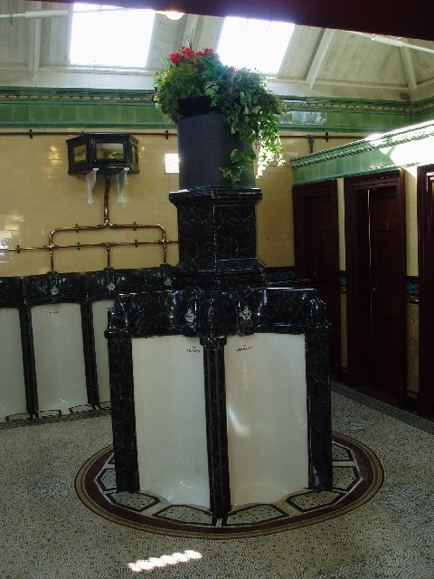 Victorian public convenience, Rothesay