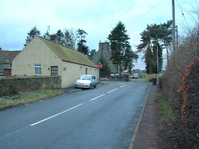 Road junction beside Balgonie Cottage