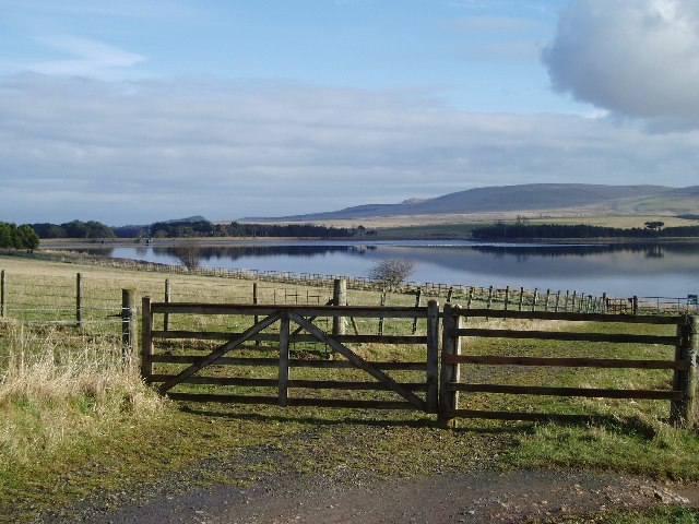 Path leading to Threipmuir Reservoir, with Harbour Hill beyond
