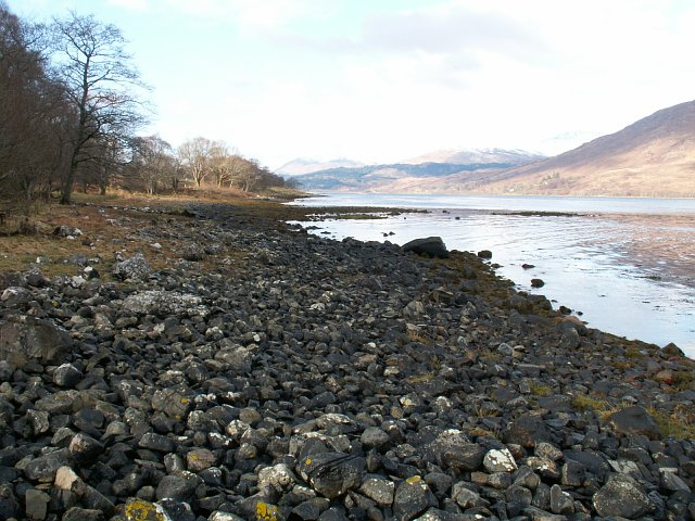 Loch Eil shore line by South Garvan