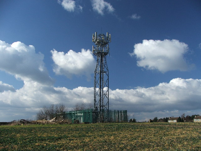Transmitter mast on Gallows Hill.